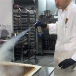 Marc Balaguer y el equipo español introducen por primera vez la técnica del nitrógeno en un campeonato de pastelería