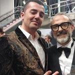 El chef pastelero Miquel Antoja posando junto al gran ganador, el italiano Massimo Bottura