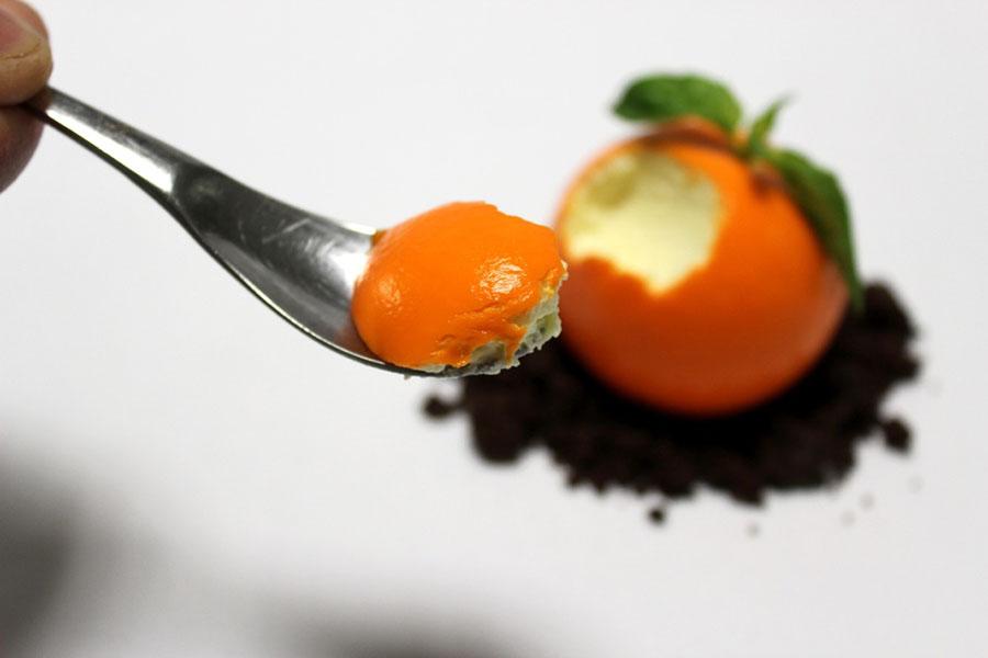 La mandarina cheesecake de La Postrería, abierta