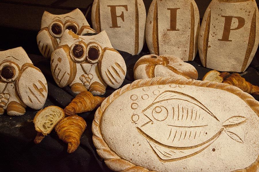 Parte del surtido de panes elaborado