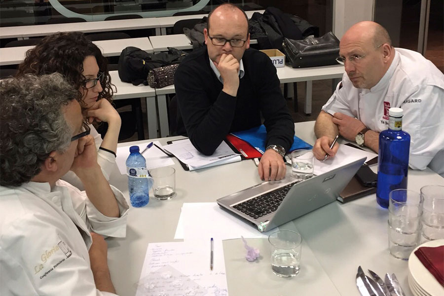 Reunión equipo español Mundial de las Artes Dulces