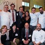 Foto de grupo de algunos de los invitados durante la presentación del tema en Barcelona