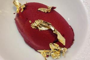 El postre del huevo rojo de Paco Torreblanca