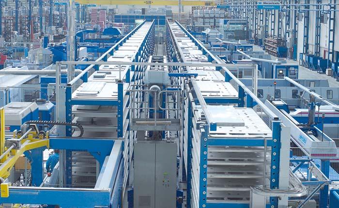 Interior nave de fabricación de Infrico