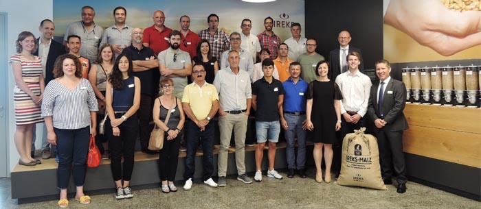 la comitiva española en las instalaciones de Ireks