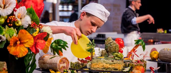 Chef acabando emplatados en Sirha