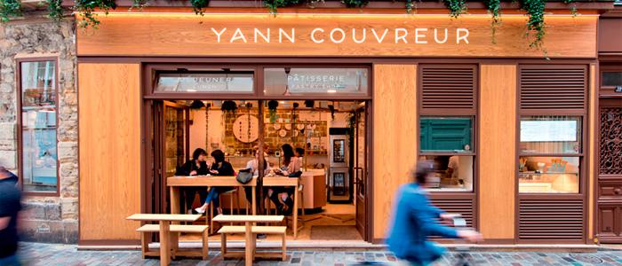 Exterior de una de las pastelerías de Yann Couvreur