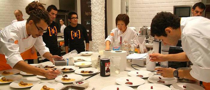 Participantes preparando postres en la última edición del The Best Dessert