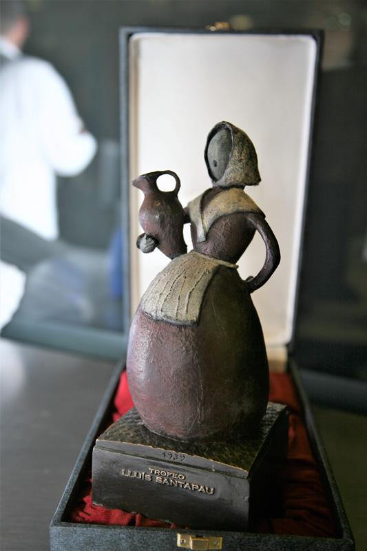 Figura del premio Santapau