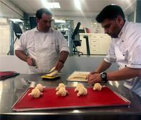 Preparando cruasanes