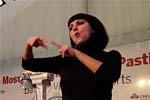 Una intérprete del lenguaje de los signos estuvo presente durante todas las sesiones