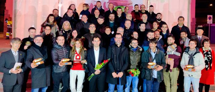 Fotografía final con todos los premiados con la fava de cacau