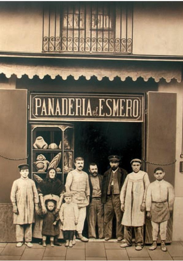 Casa Vives en Barcelona, inicialmente se denominaba Panadería El Esmero