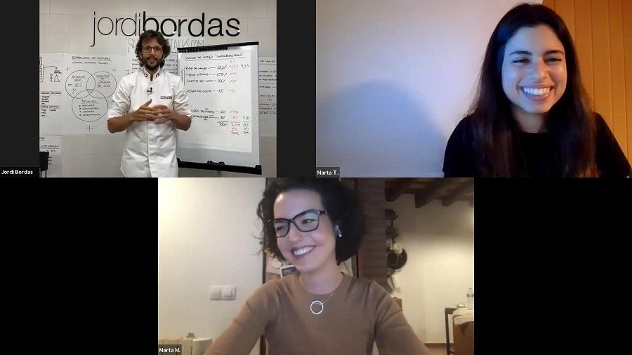 Un momento de las conferencias con Jordi Bordas y las dos Martas