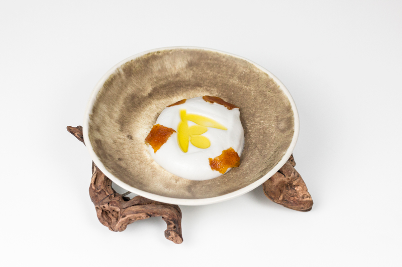 Parte del postre en plato Citrus Aove de Ingrid Serra
