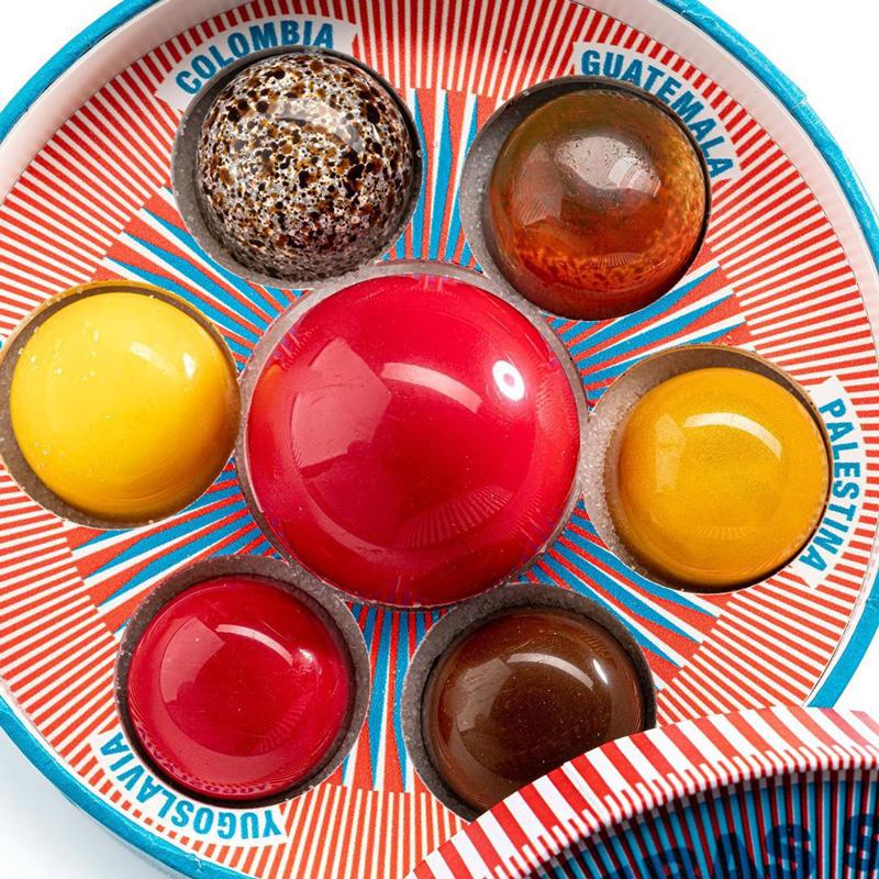 Surtido de bombones creados por Lluís Costa