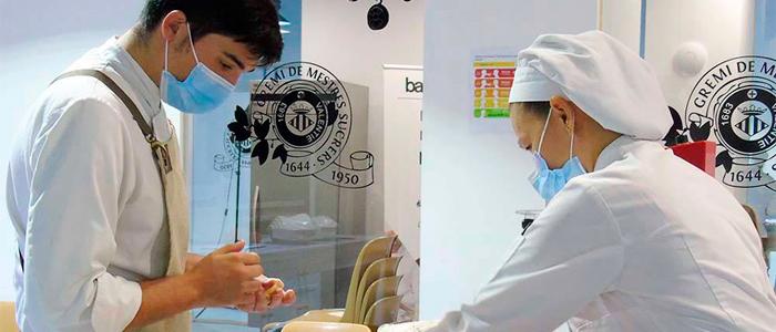 Clase en la Escuela de Pastelería de Valencia