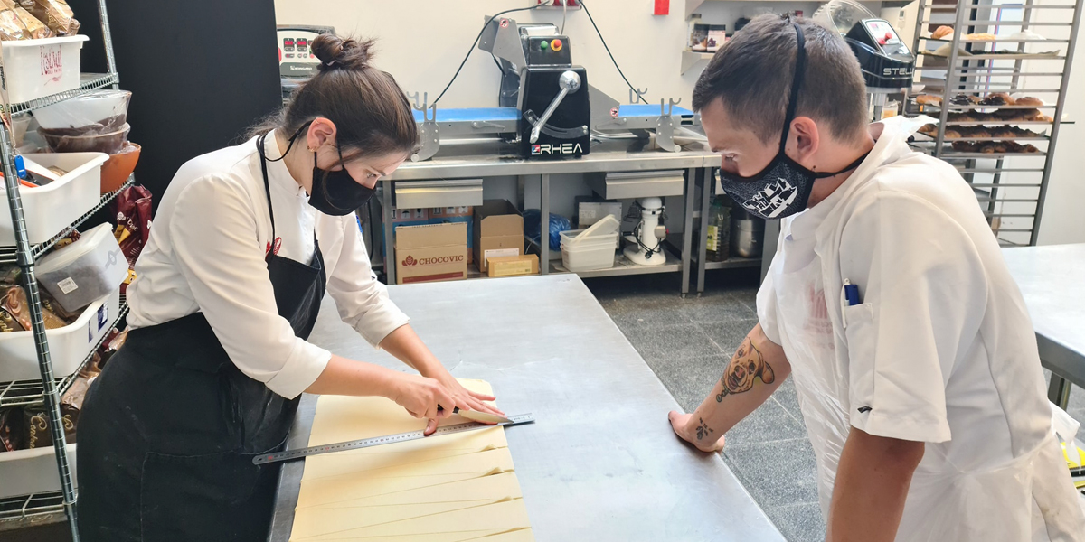 Marta San José y Yohan Ferrant preparando la participación en el Mondial du Pain