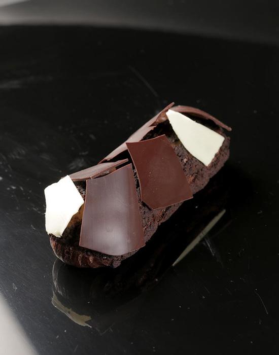 Éclair de Chocolate y Cassis
