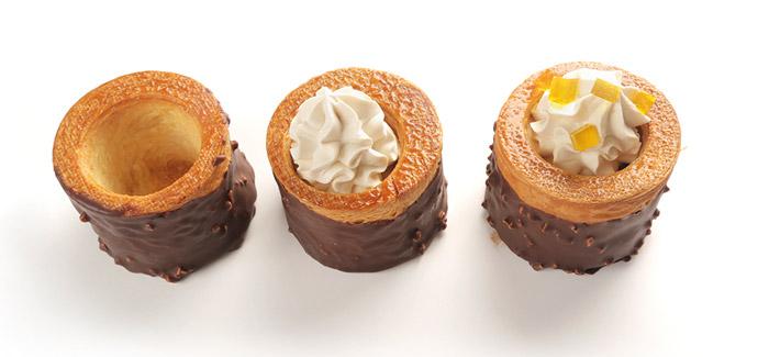 Volován de croissant con chocolate, caramelo y dados de fruta de Jesús Fuentes