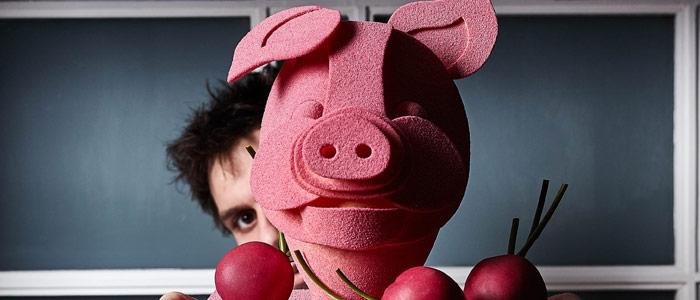Miquel Guarro con cerdo de Pascua