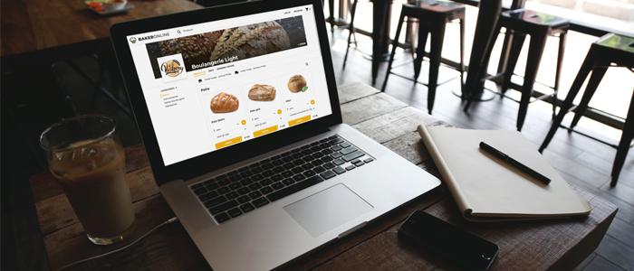 Ordenador con portal de venta online de productos de panadería