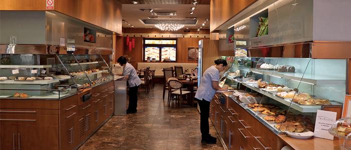 Interior de la pastelería Balbona