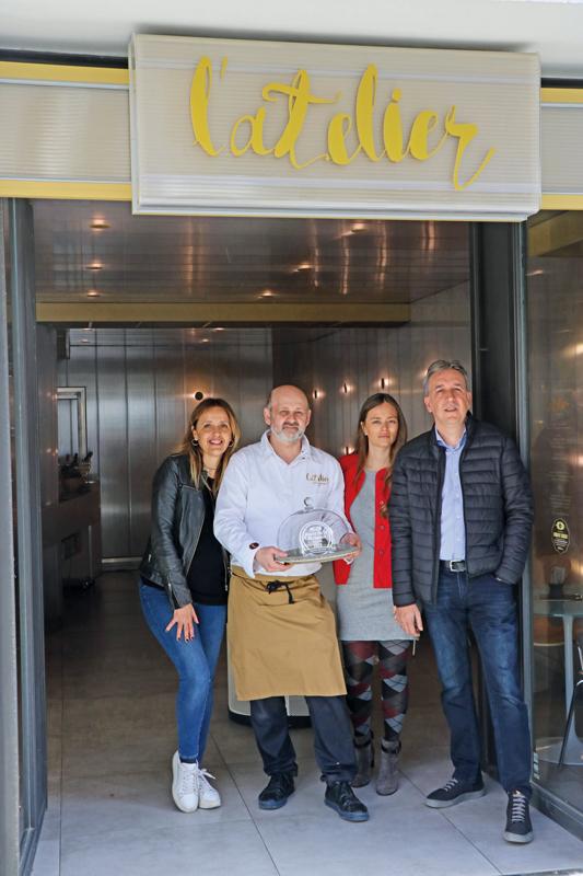 Entrega del premio a la Mejor Pasta de Té en el Atelier