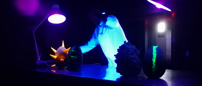 Huevos fluorescentes de Alberto Barrero
