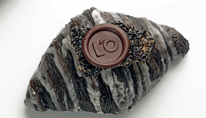 Croissant de sésamo negro de Oriol Rossell