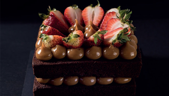 Tartaleta de chocolate, fresas y dulce de leche de Roberto Muñoz