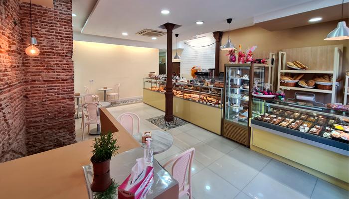Interior de la Pastelería la Rosa