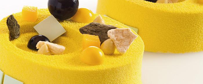 Tarta de coco, piñón, regaliz y vainilla, de Darren Purchese