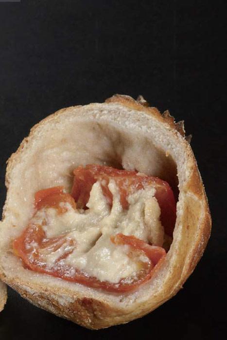 pan de Josep Pascual de tomate y queso
