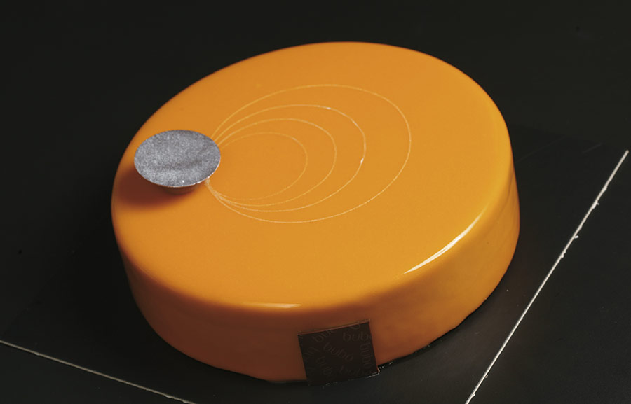 Tarta semifría de avellana y naranja