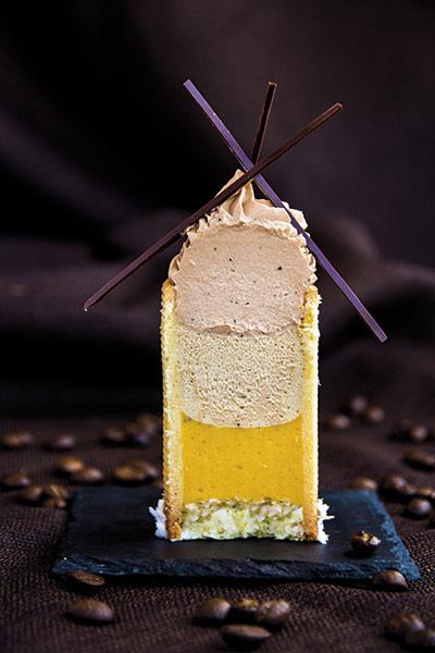 Corte de tartaleta de café-albaricoque