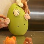 El fácil sistema de quita y pon es una de las claves del éxito de este concepto de pieza de chocolate