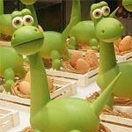 Uno de los protagonsitas de la Pascua de Hofmann en Barcelona, este simpático dinosaurio (y sus huevos)