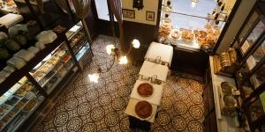 Imagen de La centenaria Antigua Pastelería El Pozo lanza un servicio de delivery y take away
