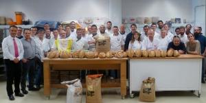 Imagen de Más de 30 panaderos asisten a la demostración de Florindo Fierro en Lleida