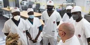 Imagen de Migrantes africanos se forman en Barcelona para abrir una pastelería en su país de origen