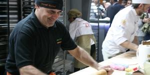 Imagen de Josep Pascual prepara cursos básicos presenciales de pastelería y panadería