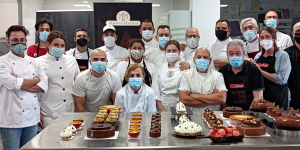 Imagen de Alexis García y Marlene Hernández conquistan Granada con su pastelería de sabor canario
