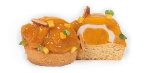 Imagen de Sablé bretón con albaricoques, confit de mango y ganache de almendra de José Manuel Samper