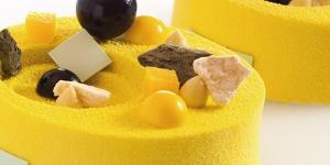 Imagen de Tarta de coco, piñón, regaliz y vainilla, de Darren Purchese