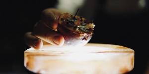 Imagen de Cheesecake de Brillat Savarin y fruta de la pasión de Rory Macdonald