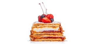 Imagen de Milhojas de hojaldre relleno de haba tonka, vainilla y frambuesa de Hans Ovando