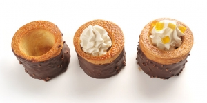 Imagen de Volován de croissant con chocolate, caramelo y dados de fruta de Jesús Fuentes