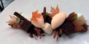 Imagen de Selva negra de brandy, arándanos, leche de oveja y matices anisados de Víctor de Castro
