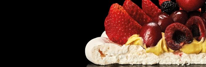 Pavlova de frutas de temporada de Luciano García